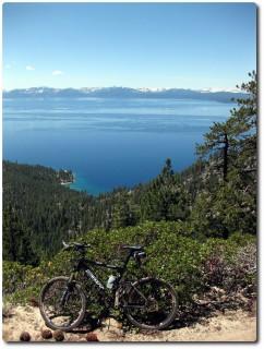 Erster Blick auf den Lake Tahoe