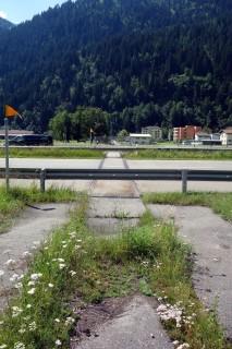 Eisenbahnschiene über die A2?