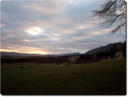Abendsonne unter der Wolkendecke