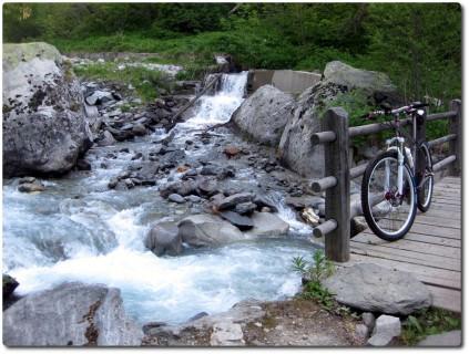 Brücke über den Baltschiederbach