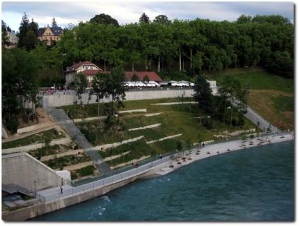 Blick auf den Bärenpark von der Nydeggbrücke