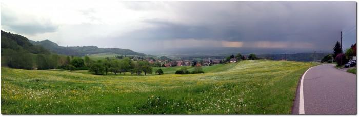 Balmbergstrasse und Blick aufs Mittelland