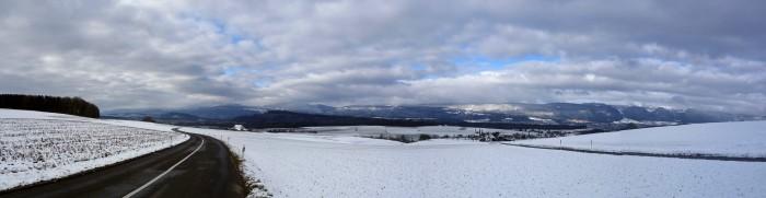Panorama mit Blick in Richtung Biel und Jura