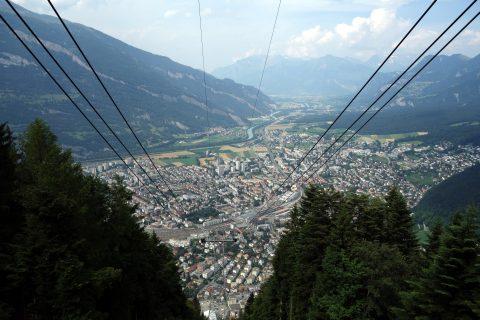 Brambrüeschbahn - Blick auf die Alpenstadt Chur