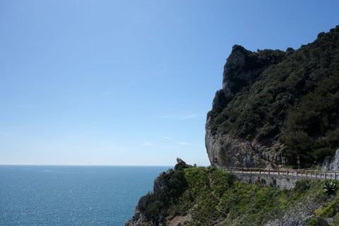 Abenteuerliche Küstenstrasse - Capo Noli