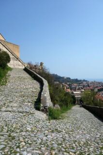 Aufstieg zum Castel San Giovanni - Stossen statt Fahren