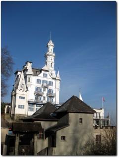 Leerstehendes Chateau Gütsch