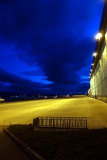 Flughafen Cointrin am frühen Morgen