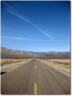 Impressionen auf dem Highway 190 durchs Death Valley