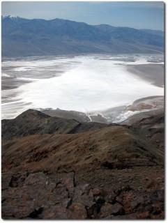 Blick auf den Badwater Salzsee von Dantes View