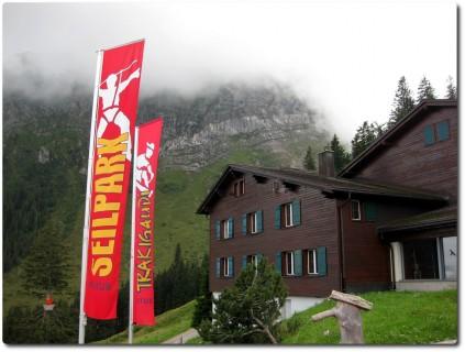 Fräkmüntegg - Werbung für den Seilpark und die Rodelbahn