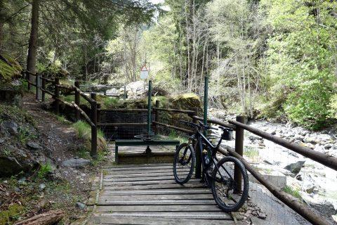 Wasserfassung Ru d'Arlaz bei Ponteille