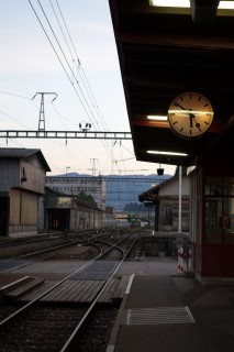 Abfahrt per Zug früh am Morgen