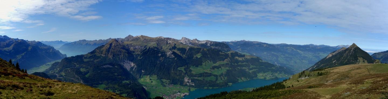 Bergalp - Panorama hoch über dem Lungerersee