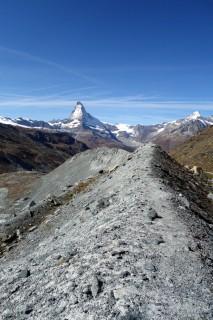Moränegratweg Findelgletscher in Richtung Matterhorn
