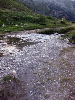 Trail runter nach Grimetz entlang des Grand Raid