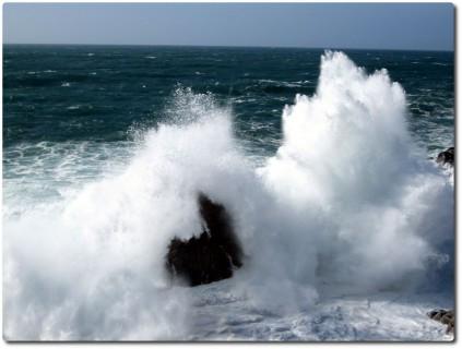 Brechende Wellen beim Ghost Tree 02