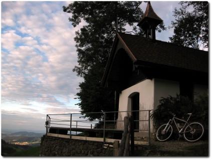 Kapelle unterhalb des Renggpasses