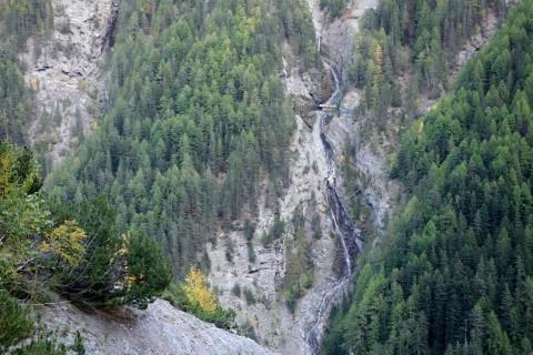 Lindwald und Blick auf die andere Talseite