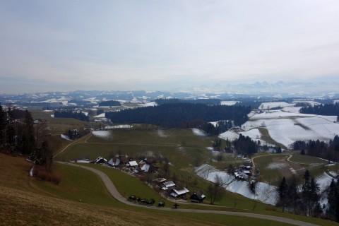 Blick von der Lueg in Richtung Alpen