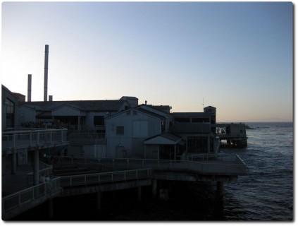Monterey Bay Aquarium im Abendlicht