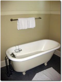 Mammoth Springs Hotel - Badezimmer