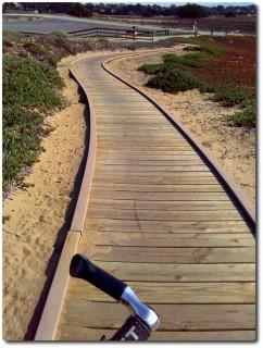 Schöne Wege um die Dünen zu schützen