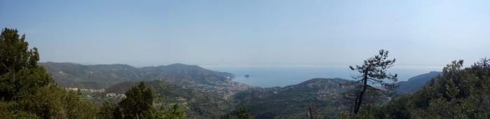 Mittagspause mit Panorama Nähe Bric del Monti
