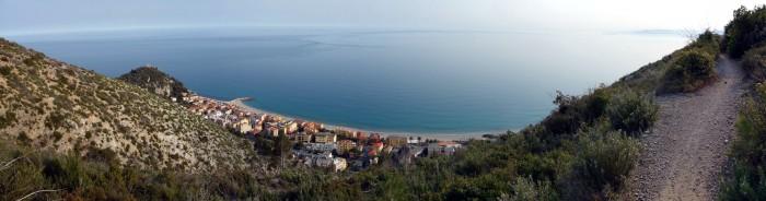 Panorama hoch über Varigotti - Donne Downhill