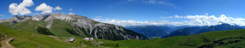 Panorama von Tegia Grinda auf dem Flimserstein