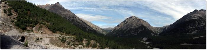 Panoramablick zurück auf das Val del Gallo und das Val Mora