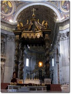 Petersdom - Baldachin und Altar