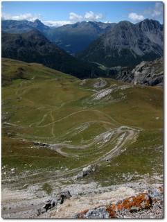 Spitzkehren in grandioser Alpenwelt - Pedenolo oberer Teil