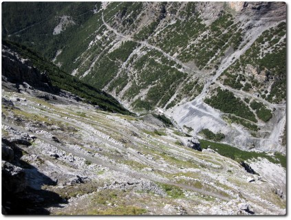 Unglaubliche Spitzkehrenabfahrt ins Valle Forcola hinab - Pedenolo