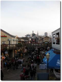 Pier 39 mit Blick auf San Francisco