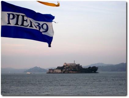 Pier 39 mit Blick auf Alcatraz