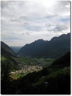 Blicke aus der Rhätischen Bahn ins Val Poschiavo