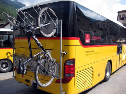 Biketransport an den Postautos