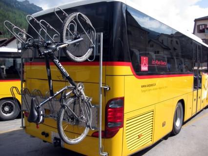 Biketransport an den Postautos