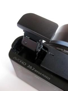 Sony DSC-RX100 aufahrbarer Blitz