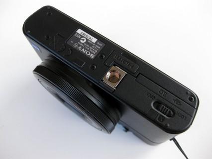 Sony DSC-RX100 Unterseite