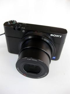 Sony DSC-RX100 augefahrenes Objektiv