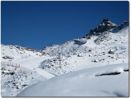 Seetalhorn mit Schnee und ohne alte Gondelbahn