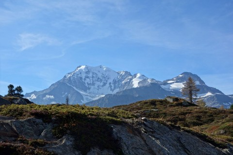 Simplonpass und Blick auf Monte Leone