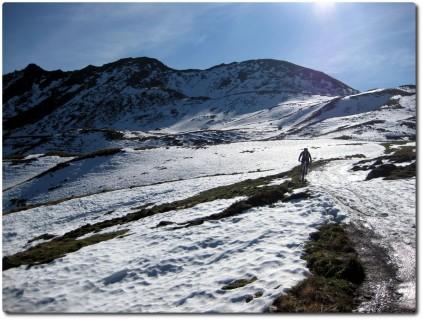 Snowbiken auf dem Kamm