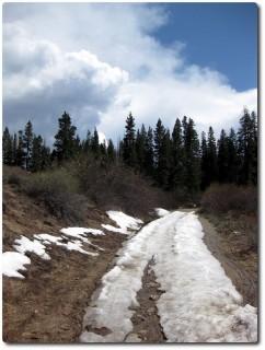 Letzter Schnee runter zum Marlette Lake