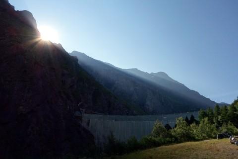 Sonnenaufgang am Mauvoisin