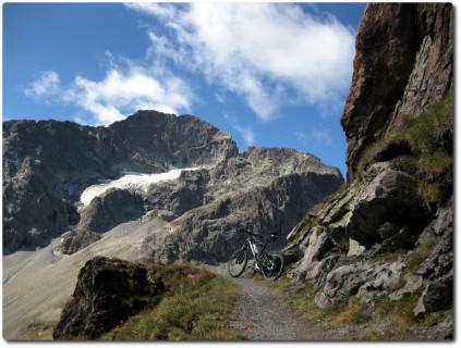 Panoramatrail in Richtung Suvretta Pass