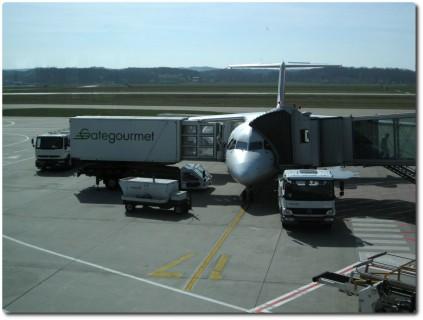 Swiss Avro RJ100 am Euroairport zum Abflug bereit