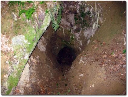 Abenteuerlicher Tunneleingang